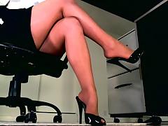Ваше тело ослабевает, как только видите эти Гипнотические Ноги