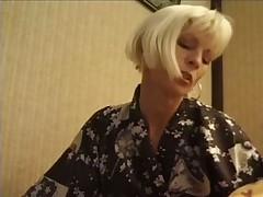 Блондинка в возрасте нашла себе молодой жесткий член