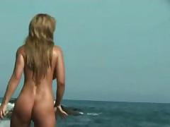 Jekskljuzivnoe video s nudistskogo pljazha