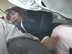 Горячая Японочка сосет в поезде