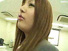 Japonochka daet na publike kogda vse vidjat