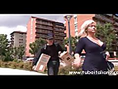 Zhestkij seks s mamochkoj blondinkoj